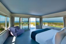 Villa in Cascais - Exclusive Golf & Spa Retreat by The...